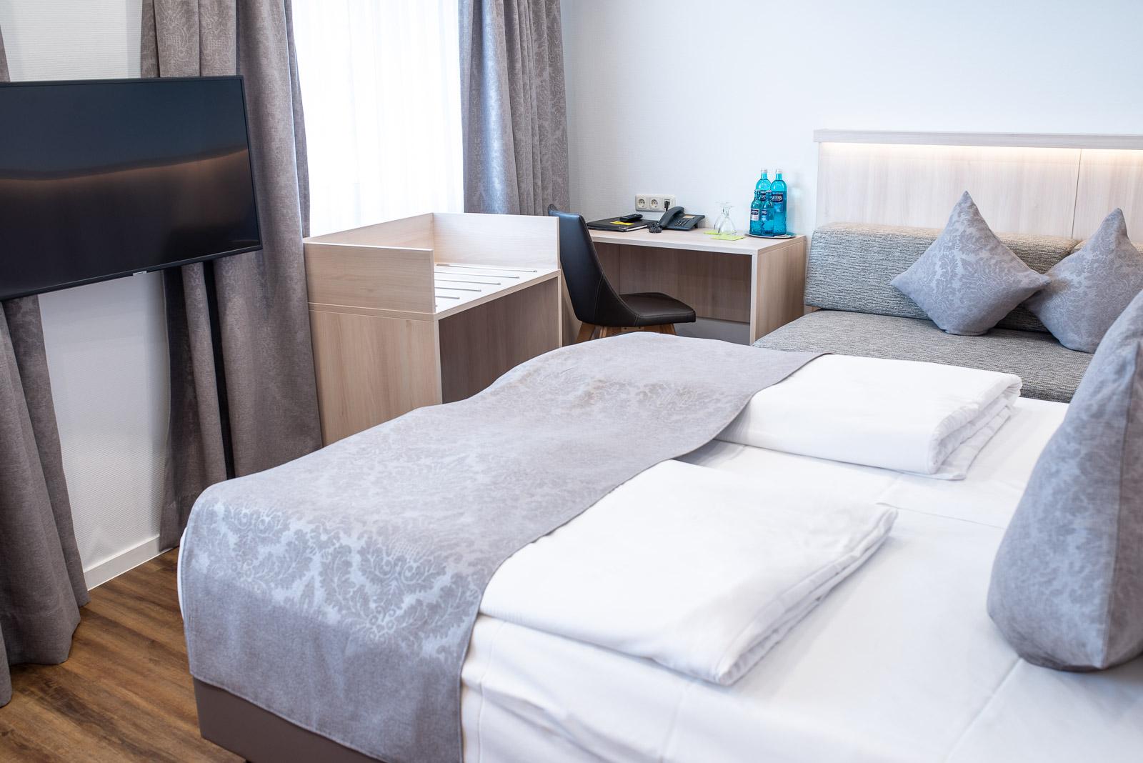 Dreibettzimmer Weisses Ross bei Nürnberg